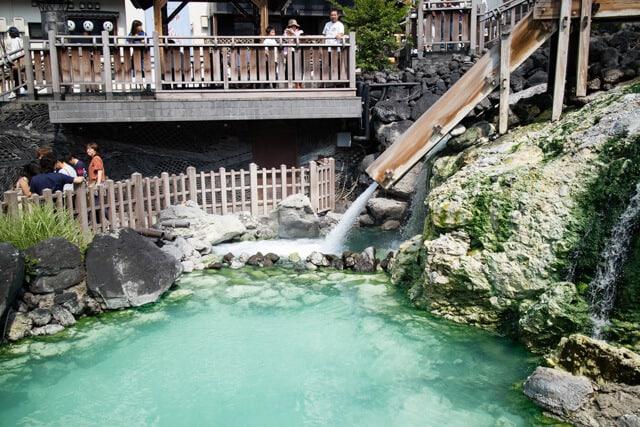 草津温泉湯畑の滝
