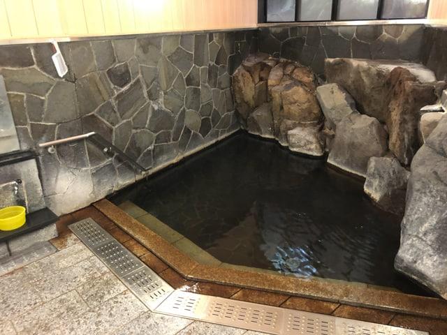 別所温泉の石湯浴室