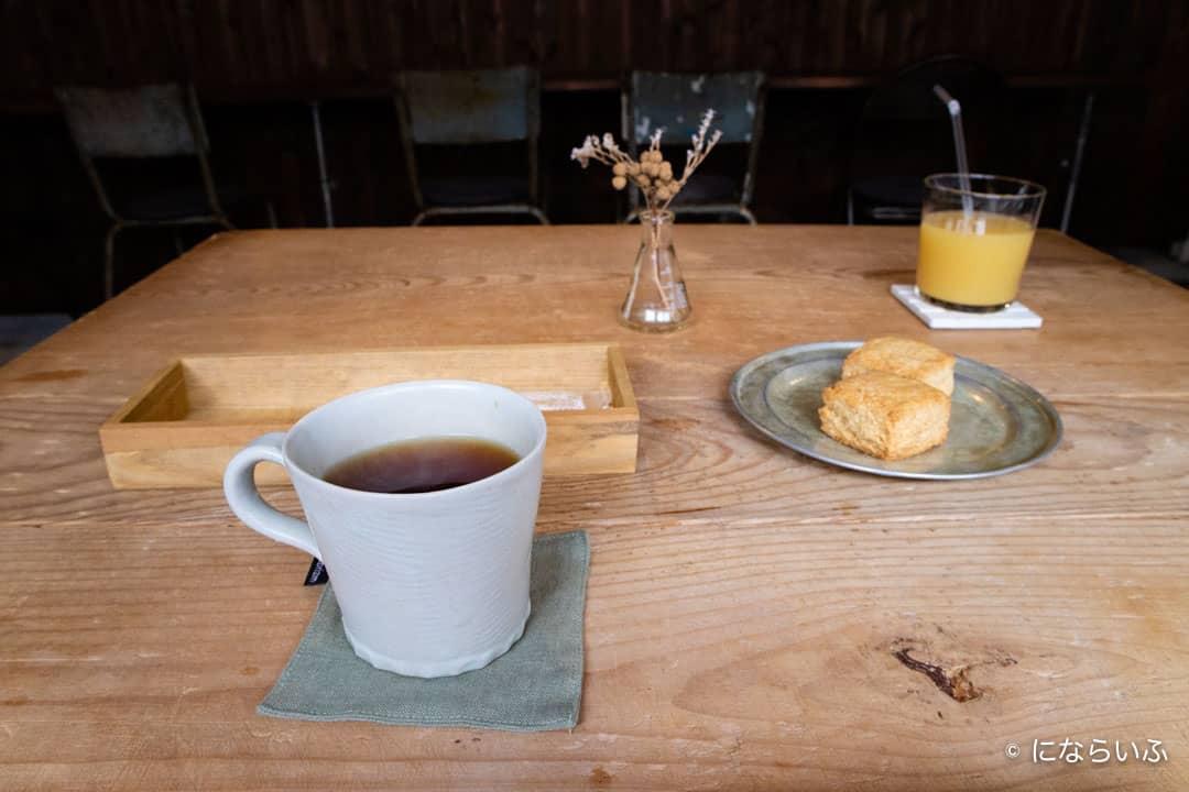 別所温泉まるふじの紅茶とスコーン