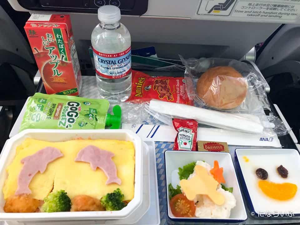 ANAA380型機の機内食(成田行き子ども)