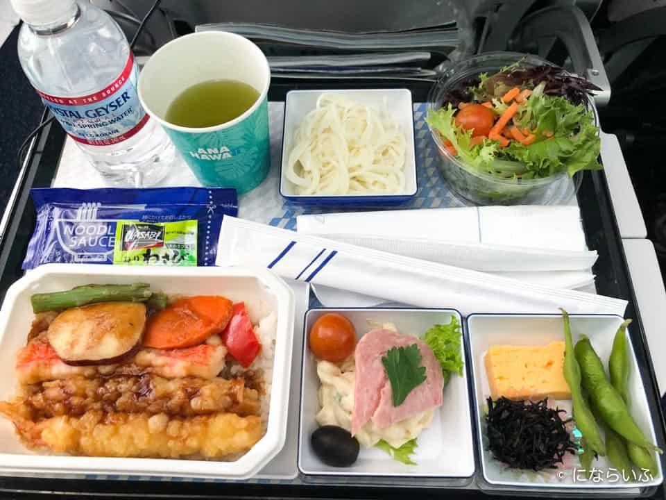 ANAA380型機の機内食(成田行き大人)
