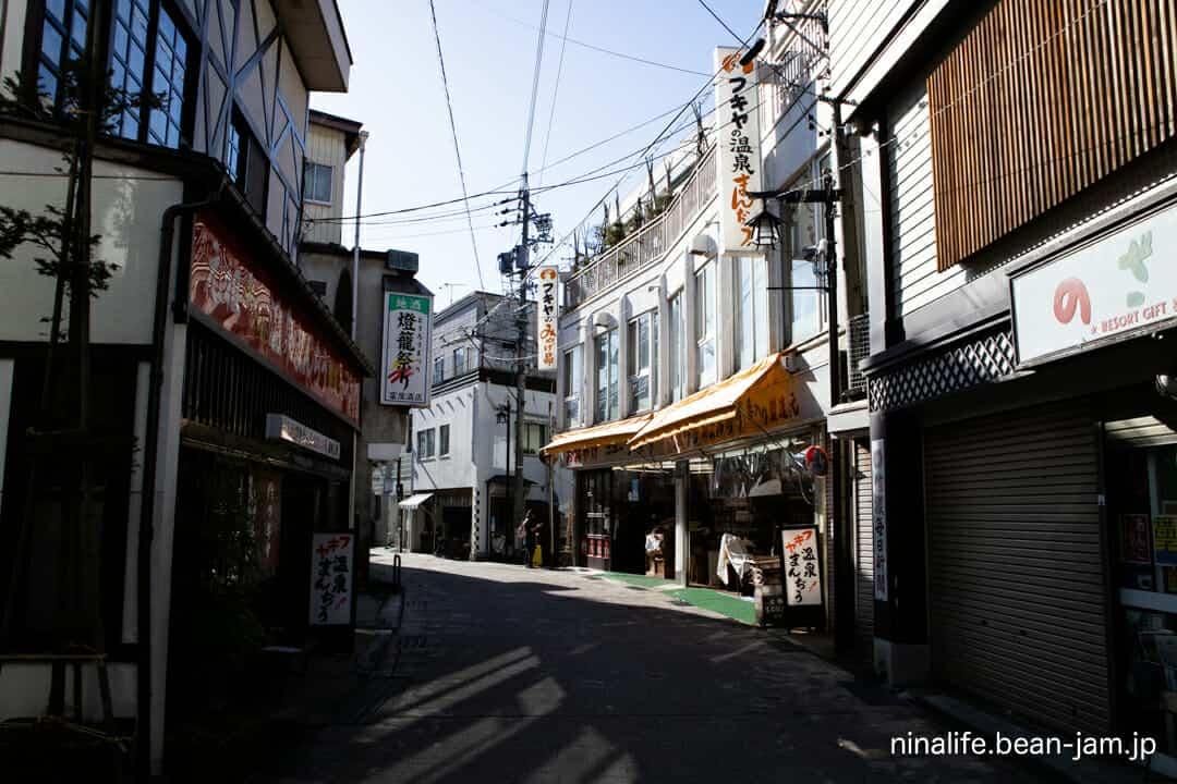 野沢温泉の商店街